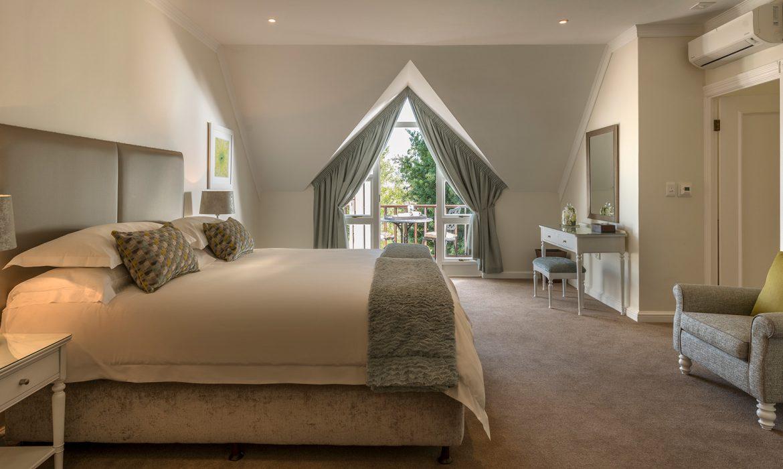 Fancourt Classic_room_in_300_avenue-1170x700.jpg