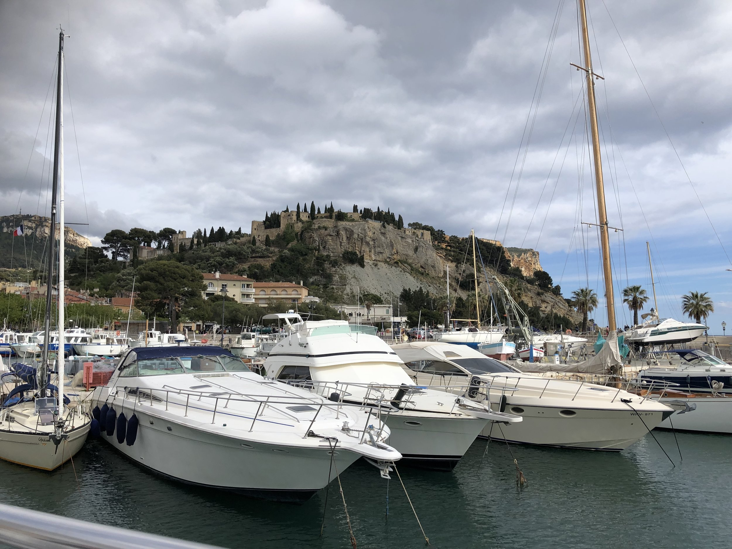 On The Tee in Cassis.jpg