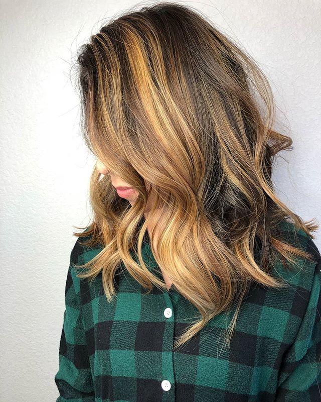 Y'all ready for some fall color?🍂🤗@_itsahairthing_  . . . . #trueavedasalon #fallcolor #fallhair #fallbalayage #avedaartist #avedalasvegas #avedavegas #avedainstitutevegas #avedainstitutelasvegas #balayage #aveda #avedacolor, #avedahoney #styledbyaveda #smoothinfusion #aircontrol #hairpainting #behindthechair #imallaboutdahair #hairbrained #modernsalon
