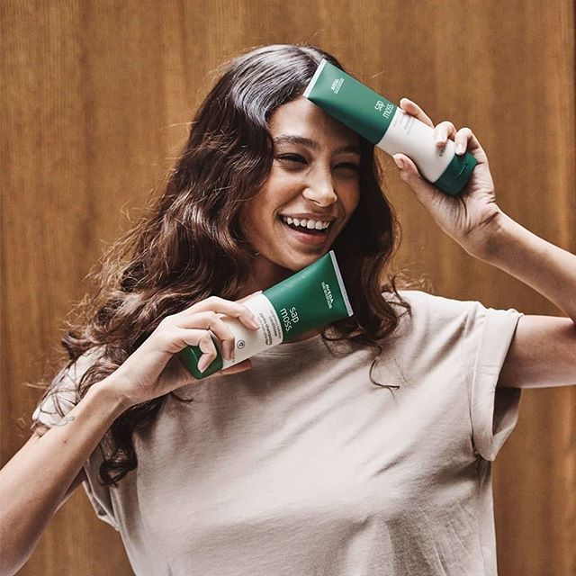 Hydrate your locks with #aveda's #SapMoss, which harnesses the power of science & nature to deliver transformative weightless #hydration. #TrueAvedaSalon . . . . #Aveda #Avedahair #SelfCare #avedasapmoss #avedalasvegas #avedavegas #avedainstitutelasvegas #avedainstitutevegas #behindthechair #avedavegas #avedasaquad #avedaobsessed #avedasalon #avedacolor #avedaartist #modernsalon #healthyhair #gorgeoushair