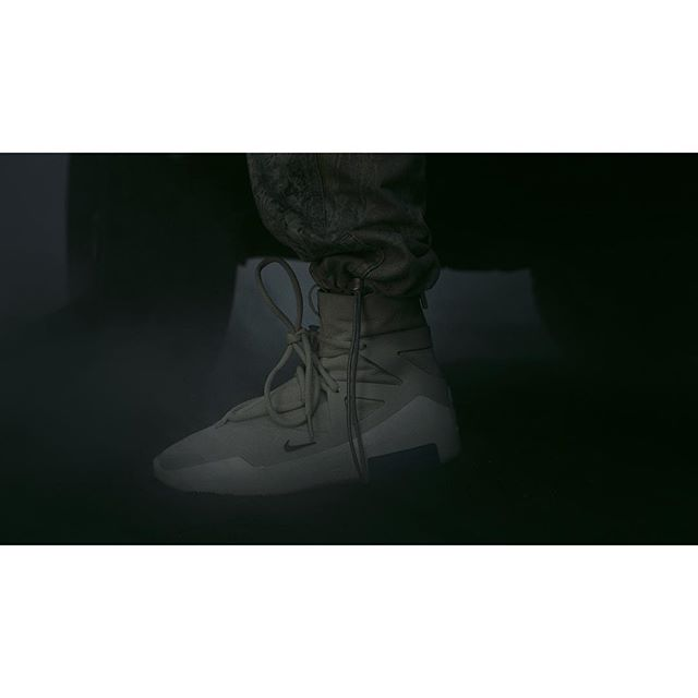 The @nike #AIR @fearofgod 1 - worldwide release 1.19.19 @jerrylorenzo . Director @lanestewart DP @manashdas Producer @thejensall CD @jerrylorenzo Music @dvsndvsn Immersive design @weareokidoki & @nikkolas_smith . @apachecolor