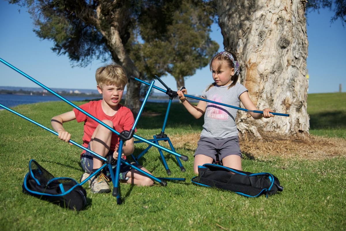 Kids-setting-up-chairs1.jpg