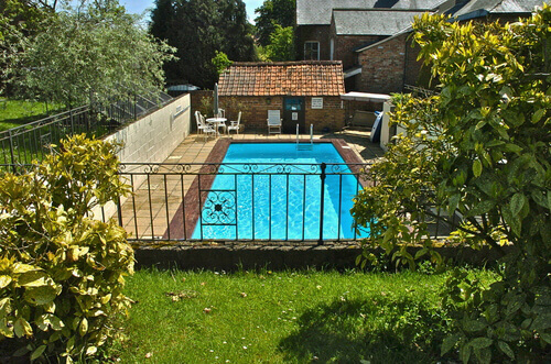 cottage-swimming-pool.jpg