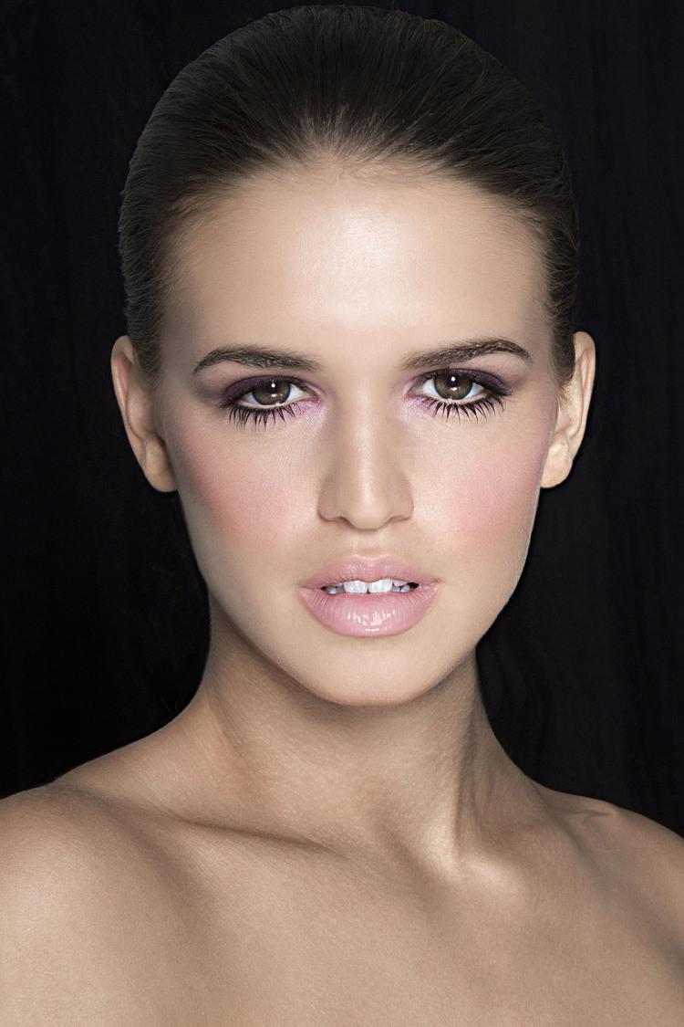 Retouching-Beauty-Mark-Stratis-0001.jpg