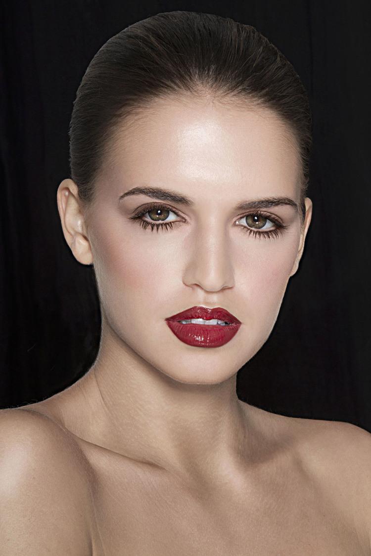 Retouching-Beauty-Mark-Stratis-0003.jpg