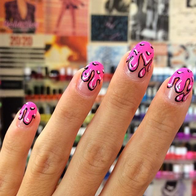 hot pink pen3.jpg