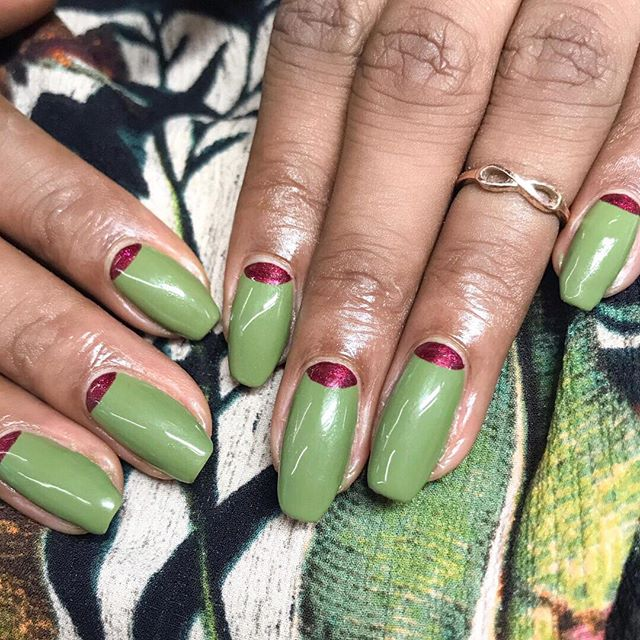 Go green! 🌿🌿🌿 by the fab @jaydeau 💚💚💚 book in for your own via the link in bio 📲📲📲