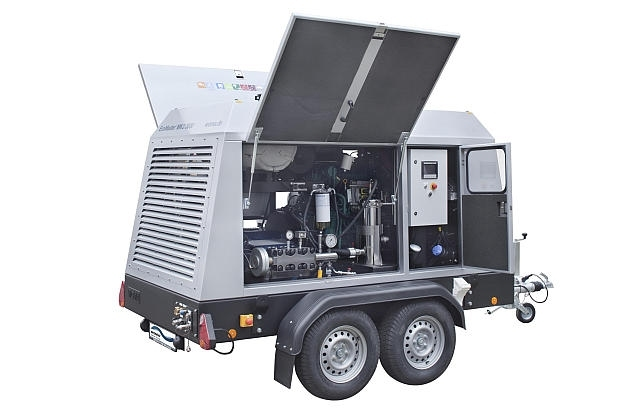 EcoMaster MK3  The EcoMaster MK3 is a compact powerhouse for the cleaning and maintenance of large civil projects and industrial plants, and it is used with many other applications throughout industry, construction and municipal services. This ultra-high pressure water jet unit comes as a mobile trailer with diesel drive.