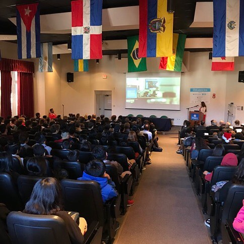 Discussing Cross-Border Opportunities in #Science, #Tech, Business & the #Environment with @sdschools students. The #STEAM Leadership Series is a program of @KidsEcoClub & #intellectualcapital in partnership with @sandiegounified, made possible through supporters @iamericas  @sandiegofoundation @ussmidwaymuseum, Moxie, Farrell Family, & Samuel Lawrence Foundations