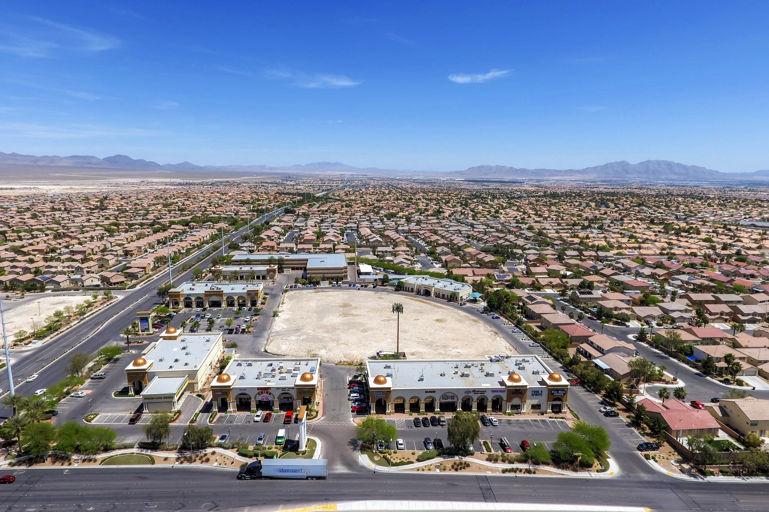 Centennial Plaza-10.jpg