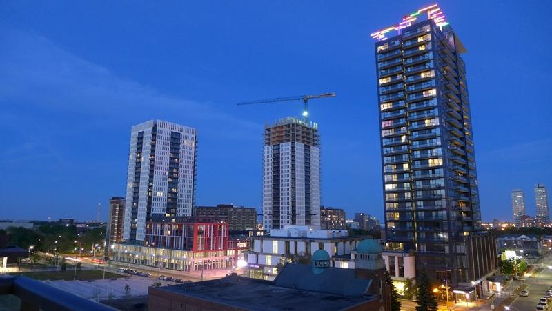 Peter-Dickinson-Towers-Regent-Park-Toronto-002.jpg
