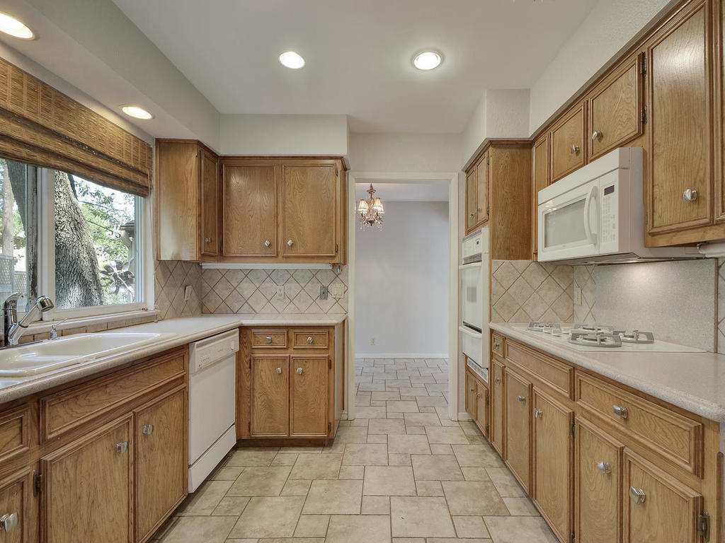 8856 Mountain Ridge Cir-MLS_Size-014-7-Kitchen and Breakfast 01-1024x768-72dpi.jpg