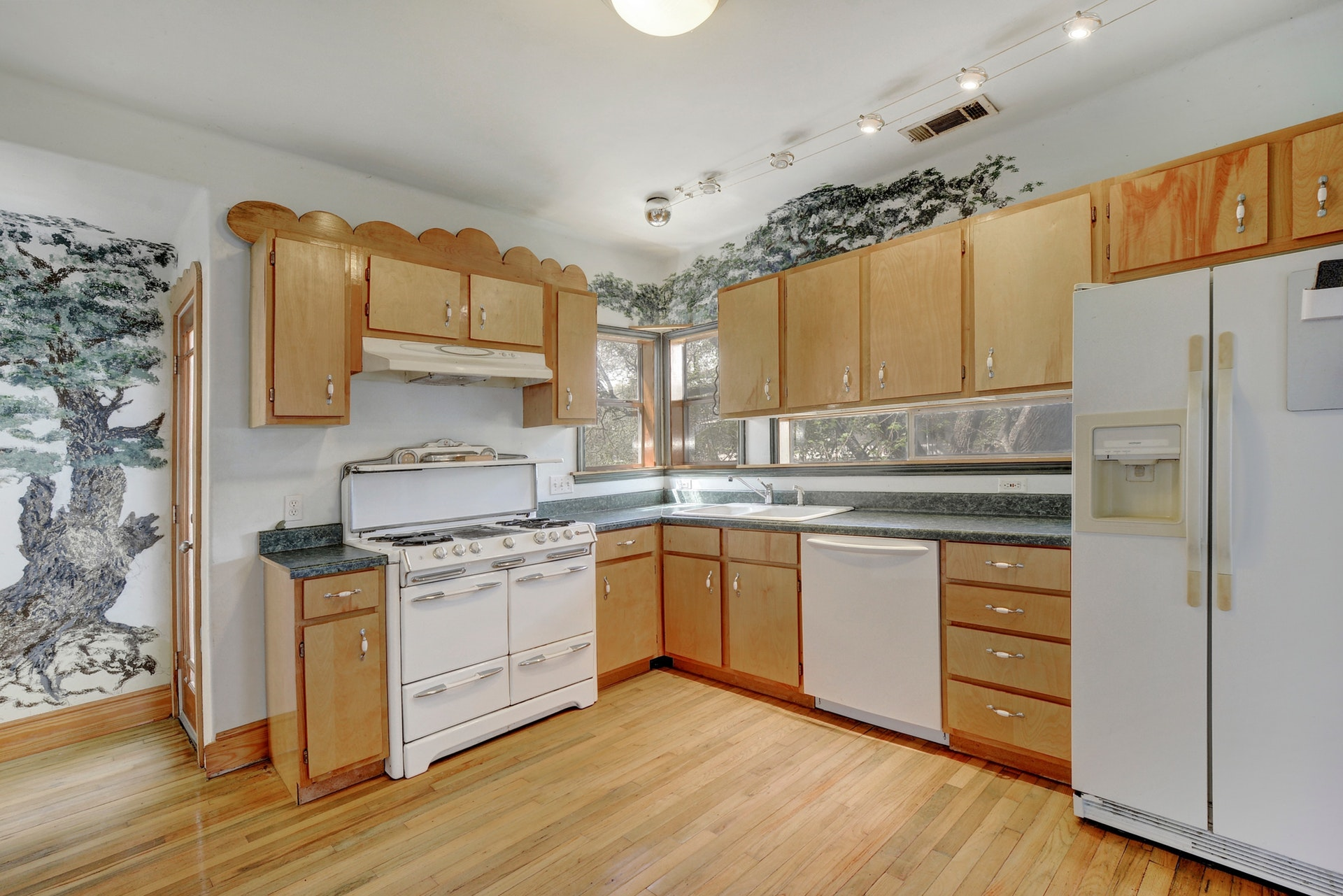 009-264873-Family Kitchen Dining007_6118492.jpg