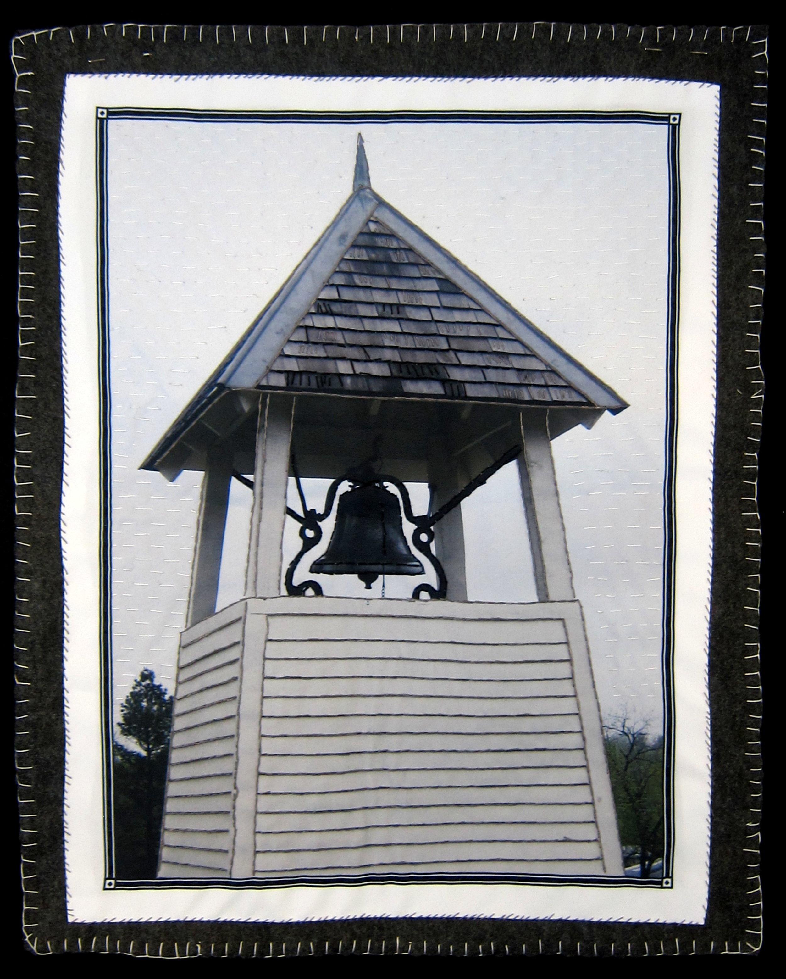 bell quilt 2nd version.jpg