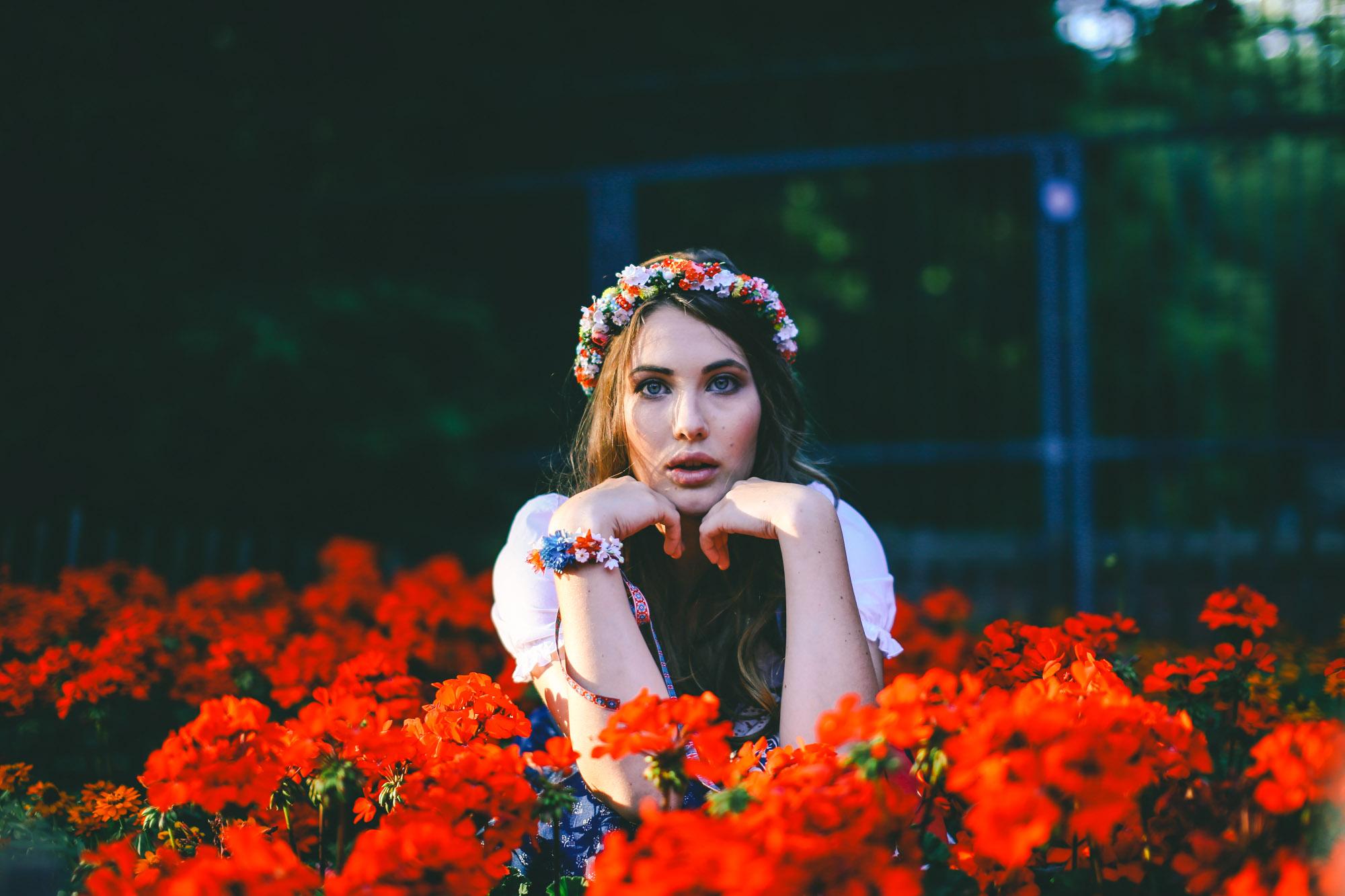 ADA16_Lookbook_We_are_flowergirls_blumenkranz_trachten_flowercrown_(23_von_40)_WEB.jpg