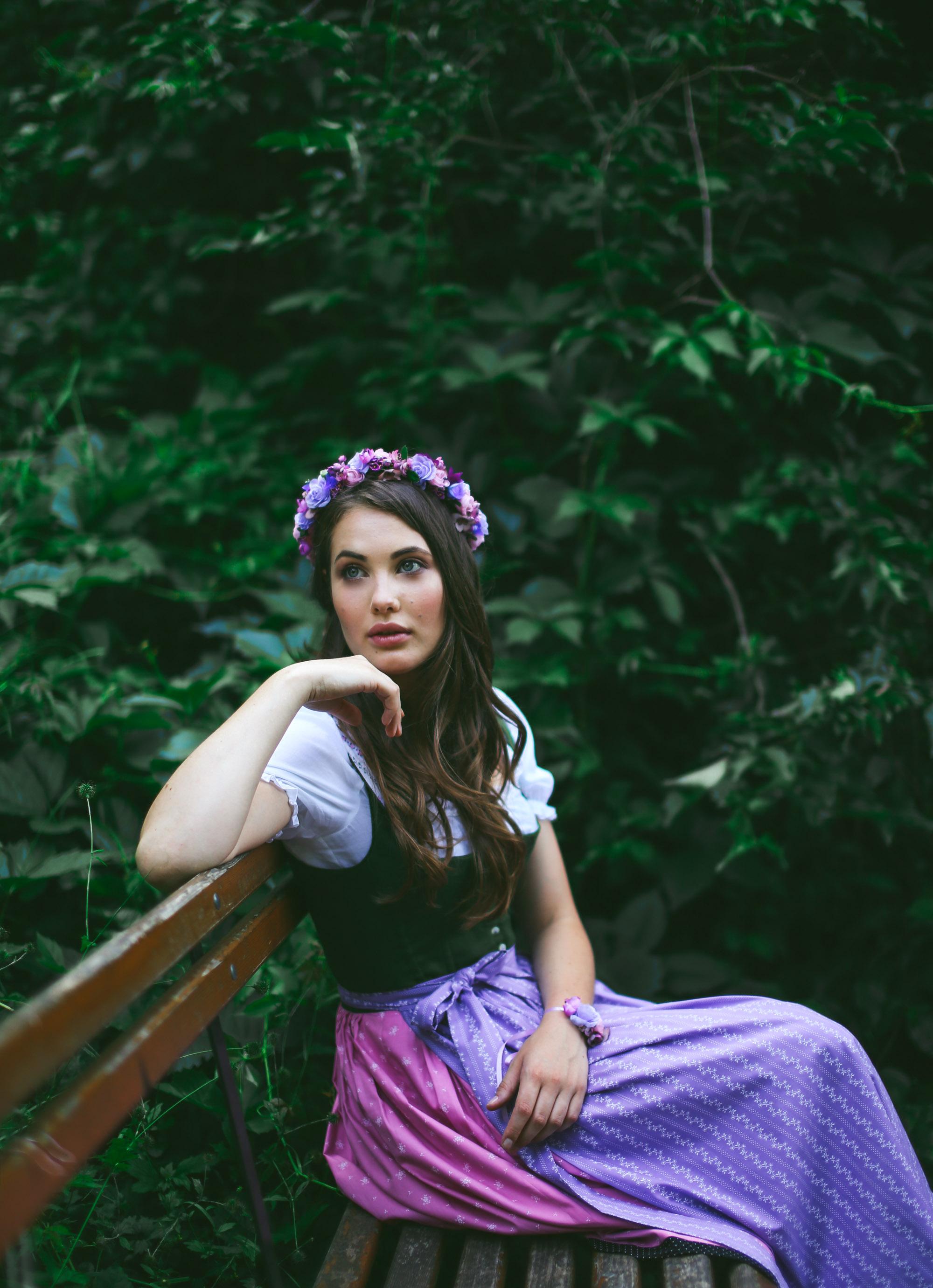 ADA16_Lookbook_(c)_We_are_flowergirls_blumenkranz_trachten_flowercrown_(1_von_40)_WEB.jpg