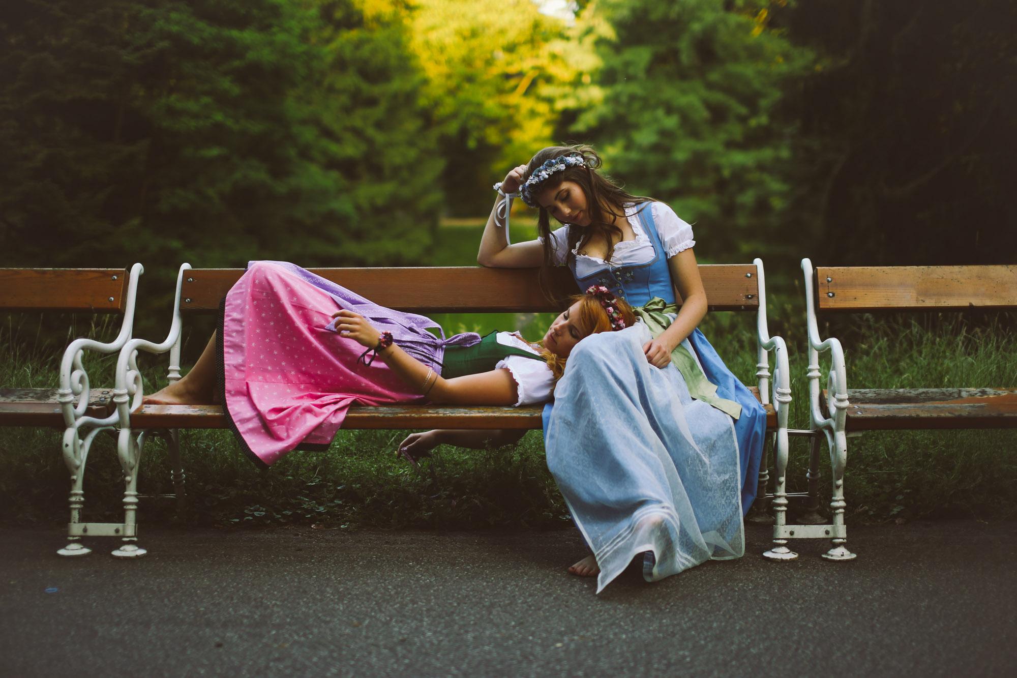 ADA16_Lookbook_We_are_flowergirls_blumenkranz_trachten_flowercrown_(29_von_40)_WEB.jpg