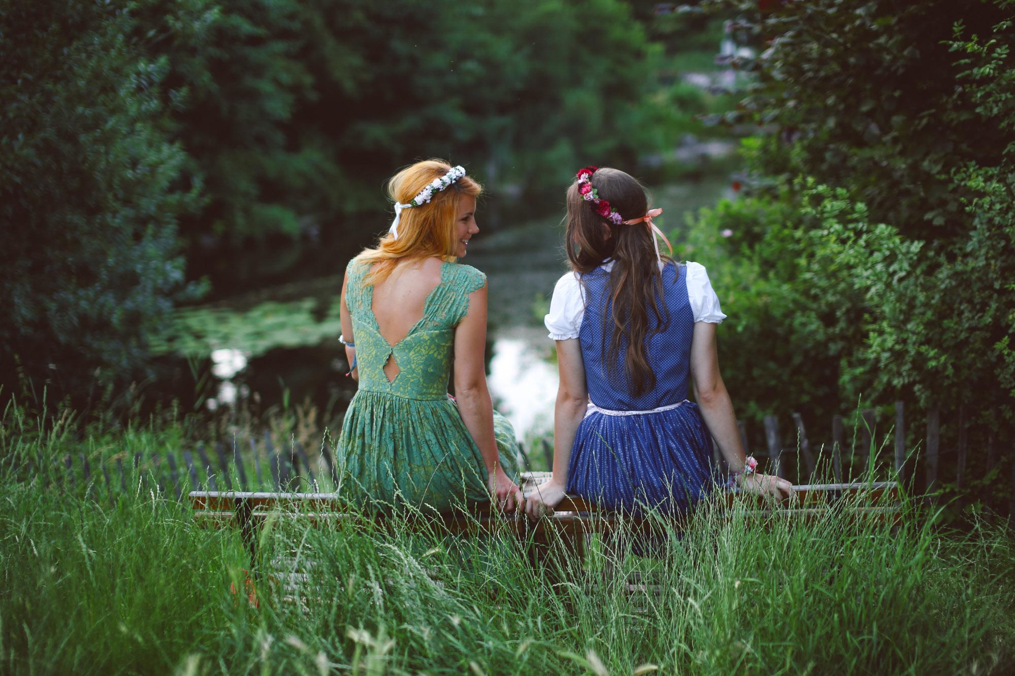 ADA16_Lookbook_We_are_flowergirls_blumenkranz_trachten_flowercrown_(37_von_40)_WEB.jpg