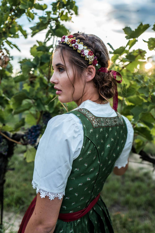 Trachtenkollektion_WeAreFlowergirls_Flowercrown_web-1020529.jpg