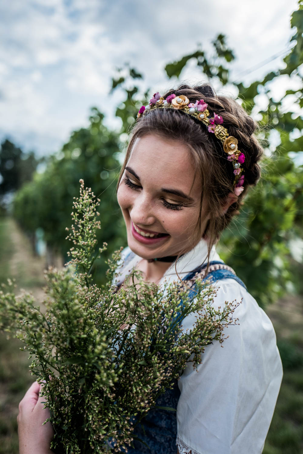 Trachtenkollektion_WeAreFlowergirls_Flowercrown_web-1020157.jpg
