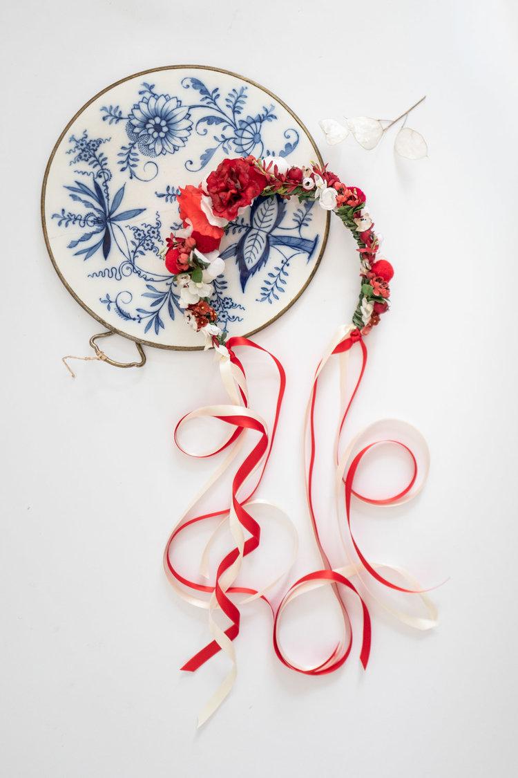 WeAreFlowergirls-Flowercrown-Cecilia-€109.jpg
