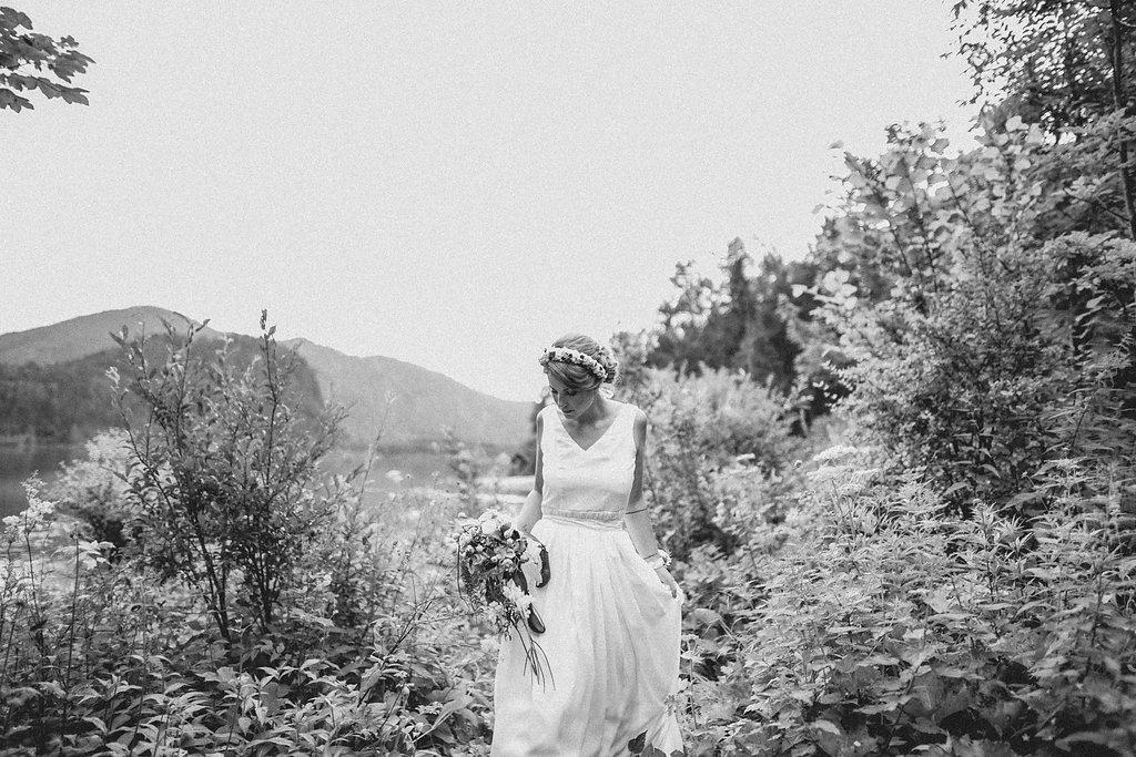weareflowergirls-blumenkranz-flowercrown-wedding-hochzeit-handmade-flowers-2.jpg