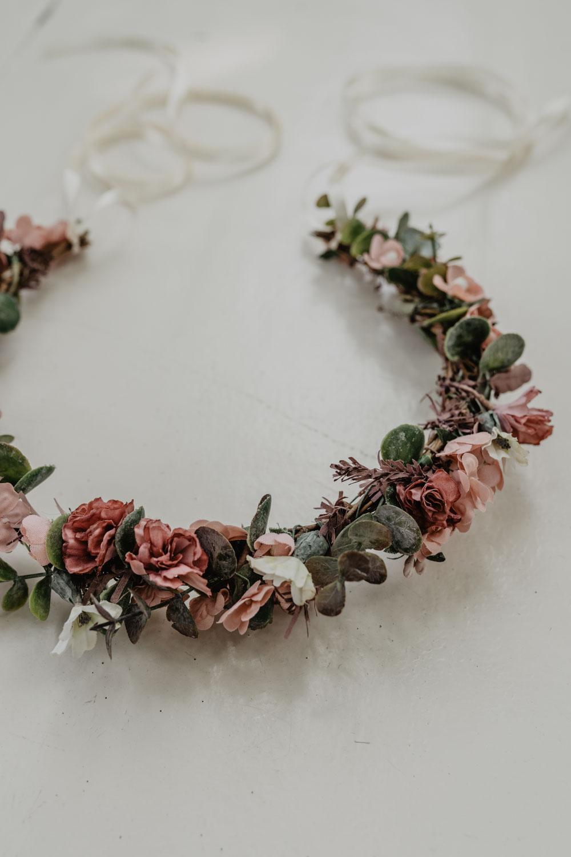 WeAreFlowergirls_X_NinaWro_Trachten_Dirndl-Designer_Edition_2019_Flowercrowns-25.jpg
