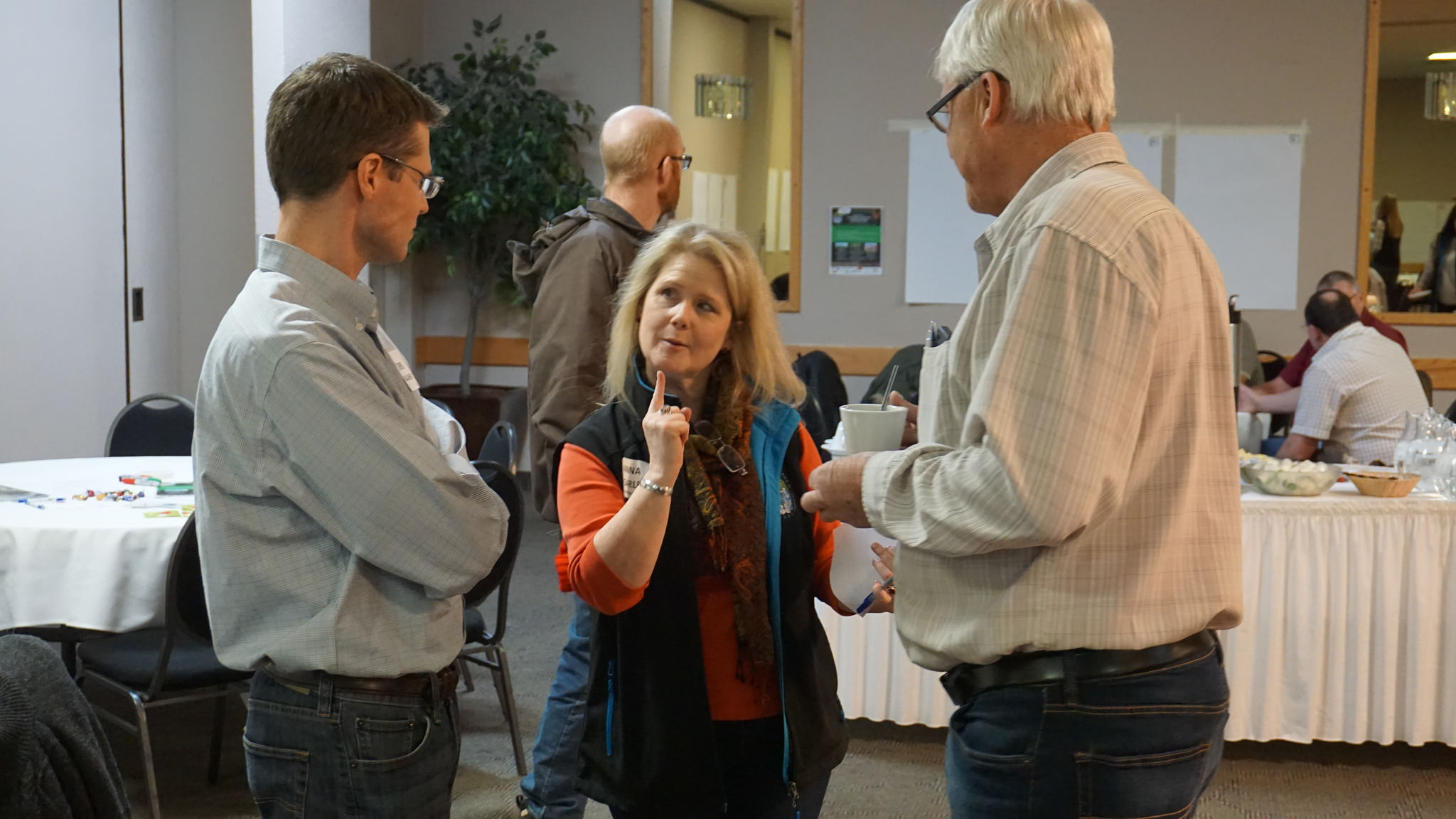 Anna Garleff appears to be getting a little sassy with Chris Gallagher and Mike Wind