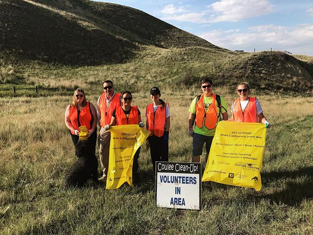 @rebekkahbright and @_sydneytaplin love keeping their community clean! Make sure to use the hashtag #CleanShorelineCommunity #CleanShorelineYQL and tag @helenschulernaturecentre to be entered to win a guided trip for you and 4 friends with @highlevel_canoes_kayaks on the Oldman River!