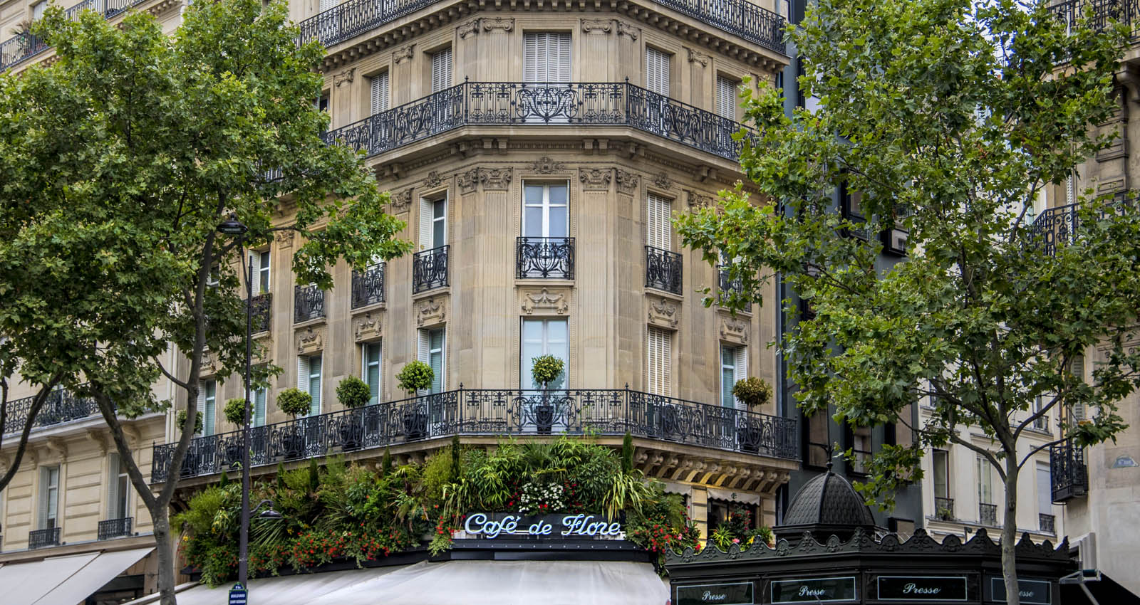 where-to-stay-in-paris_area-saint-germain_12x.jpg