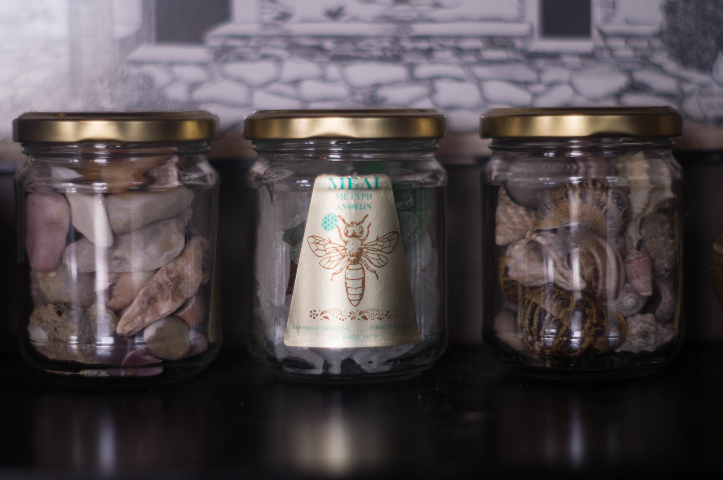 jars-filled-with-nature-treasures