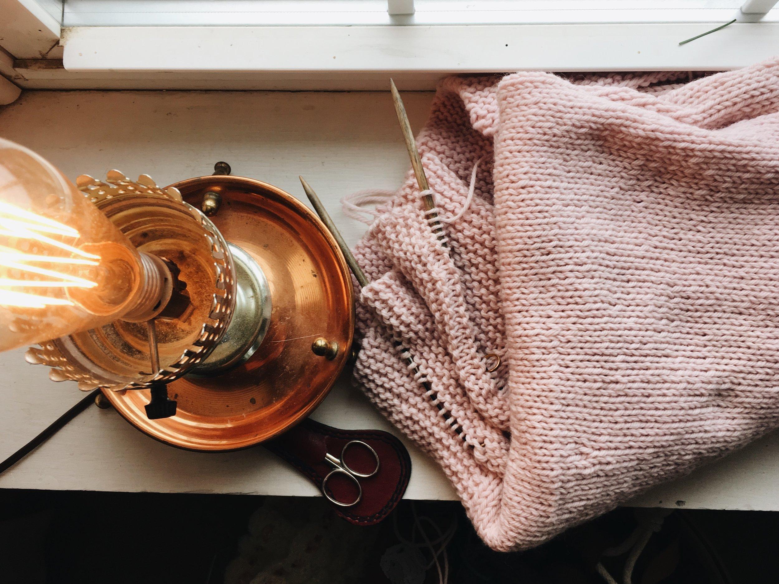 pink blanket knitting