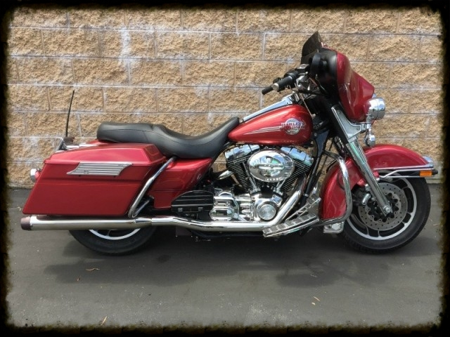 2004 Harley Electra glide.jpg
