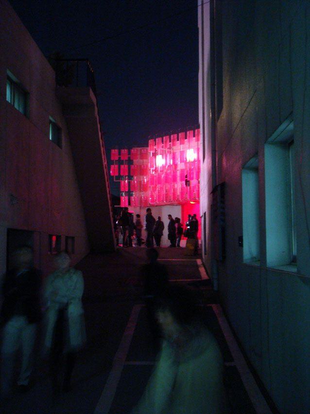 34 alley happolice night.jpg
