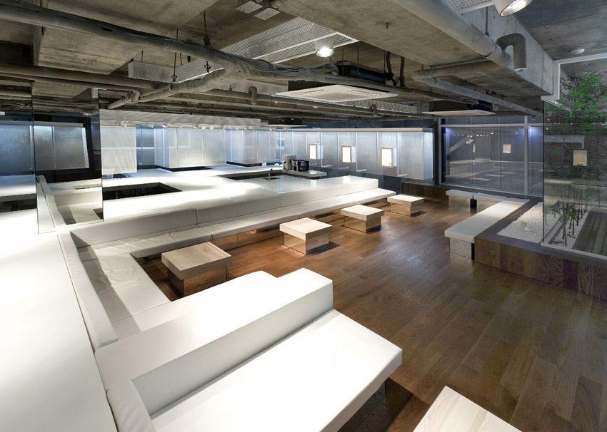 15 large white table.jpg