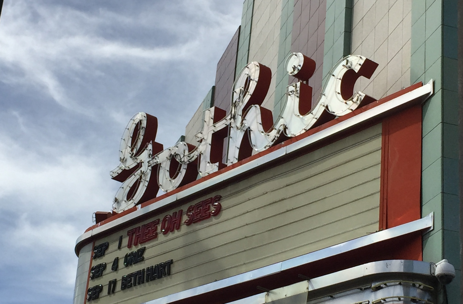 SoBo, aka South Broadway, is lined with an eclectic mix of taverns, clothing stores, art galleries, and some of Denver's best thrifting. There's anything and everything to do amidst the historic feel of Denver.