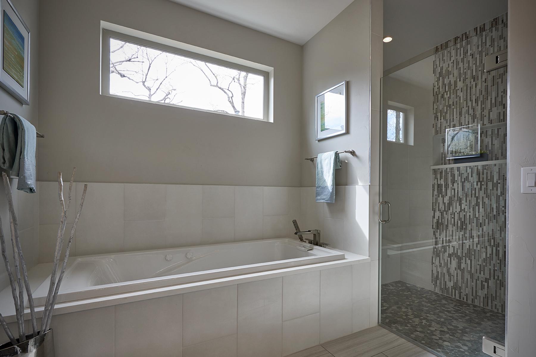 frontier-master-bath.jpg