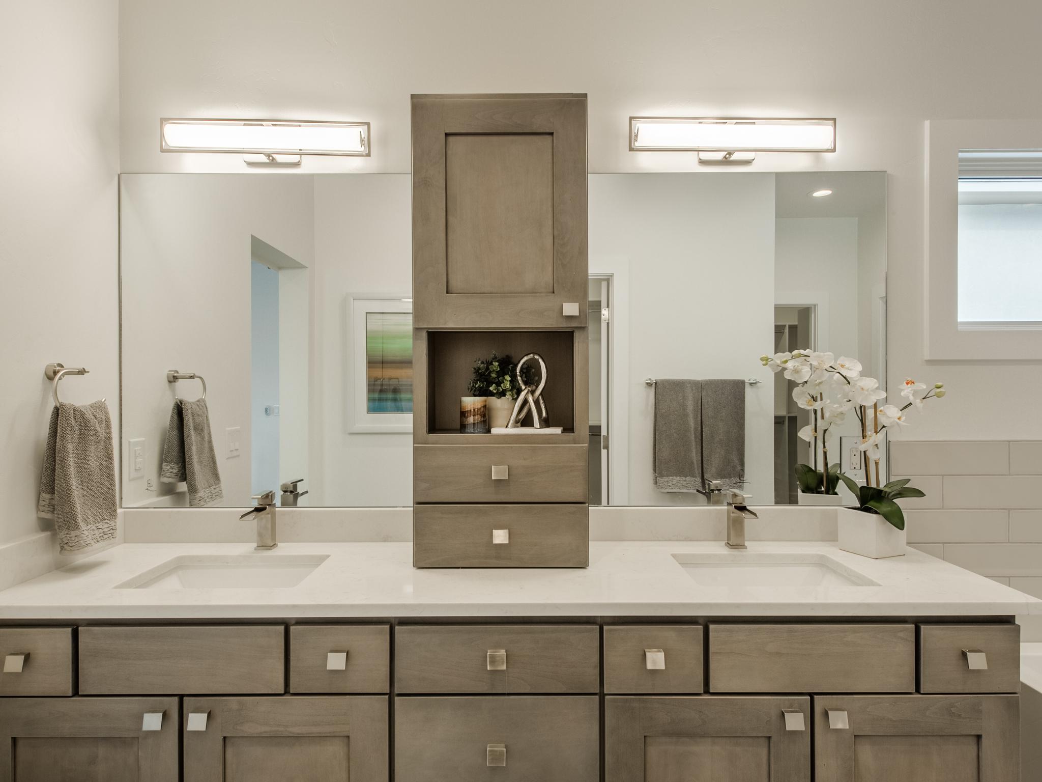 1630 S Milwaukee Street-MLS_Size-031-45-Master Bathroom-2048x1536-72dpi.jpg