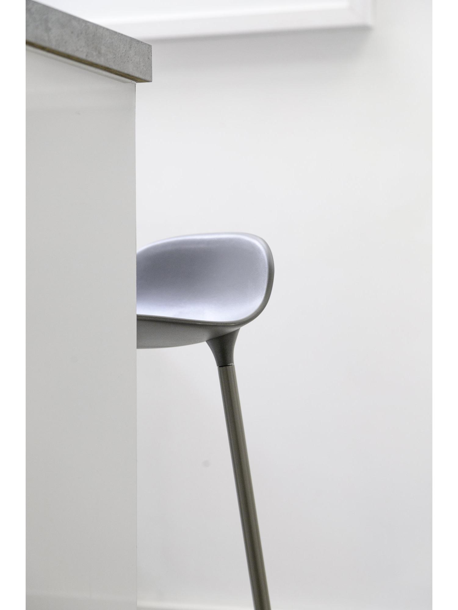steve-de-vriendt-Study-Barstool02.jpg
