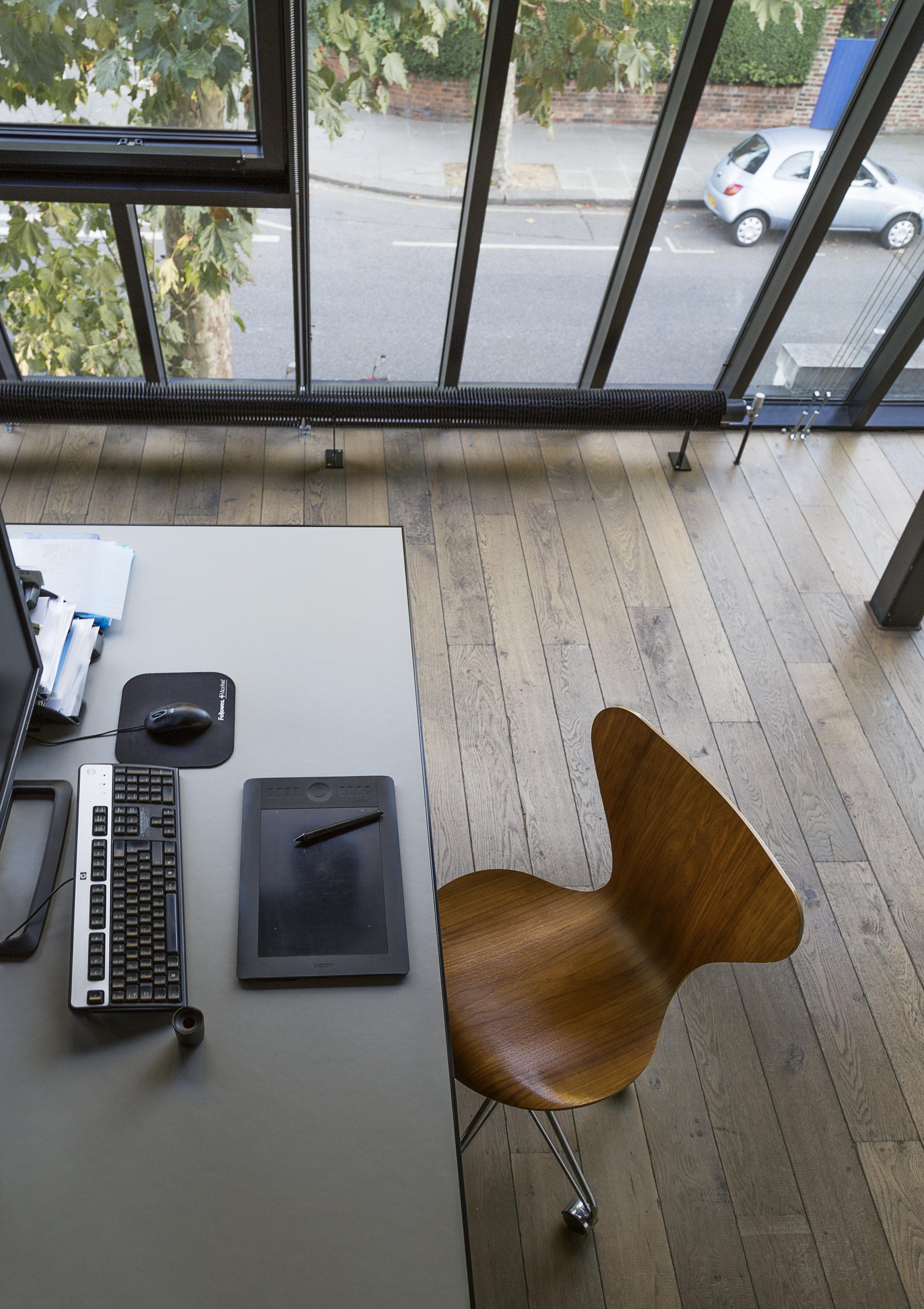 office_fritsHansenArneJacobsonChair04.jpg