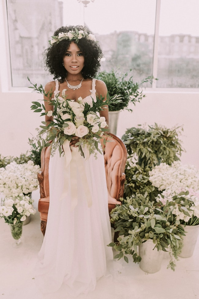 Photography:   Julie Nicole Photography   Blog:   Floral Beauty Wedding Styled Shoot