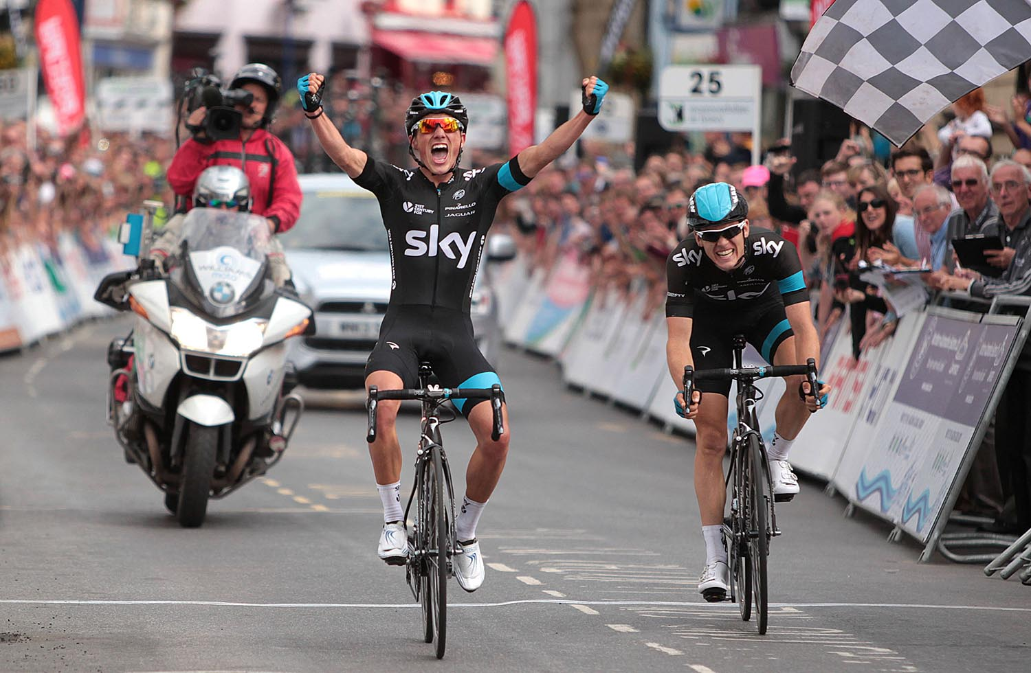 Peter Kennaugh wins the men's National Road Race