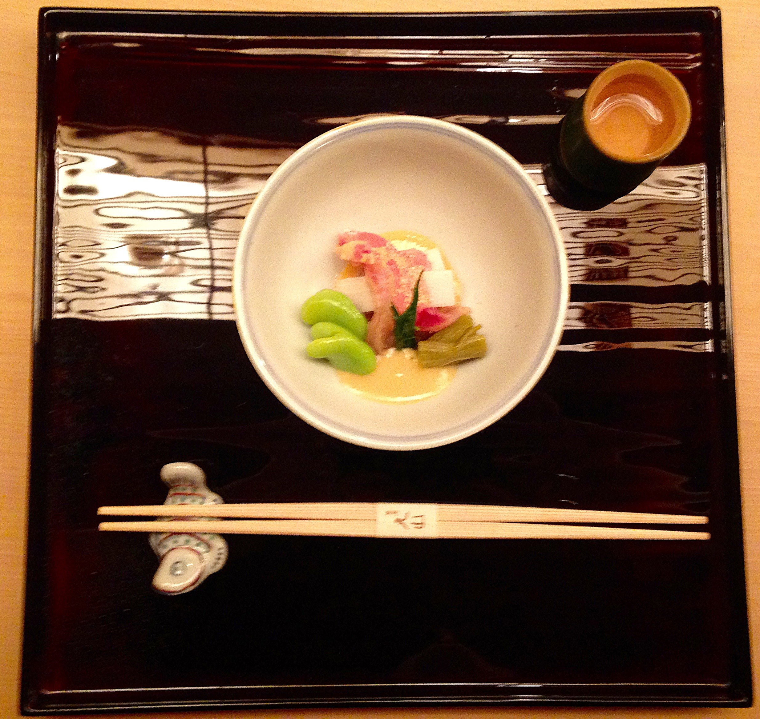 "Sakizuke Course: Sea bream sashimi with horsebeans and ""itadori"" or local vegetables (mystery!)"