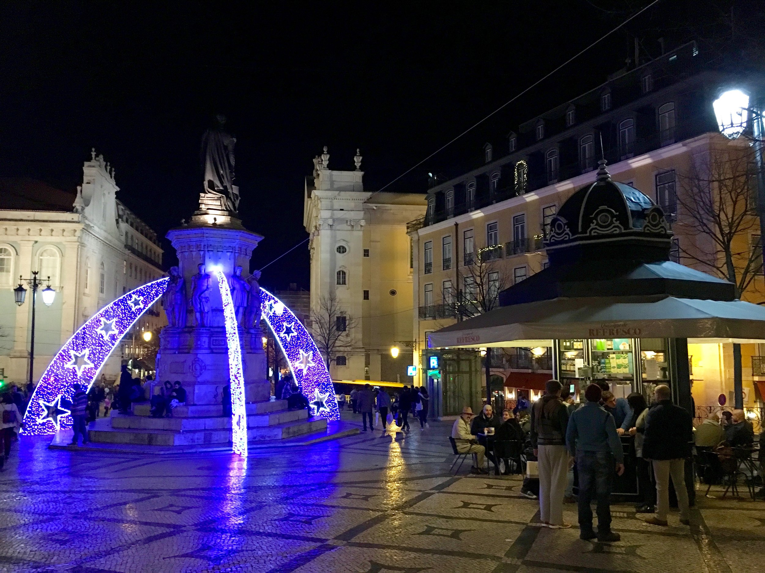 Quiosque Largo do Camões, Lisbon