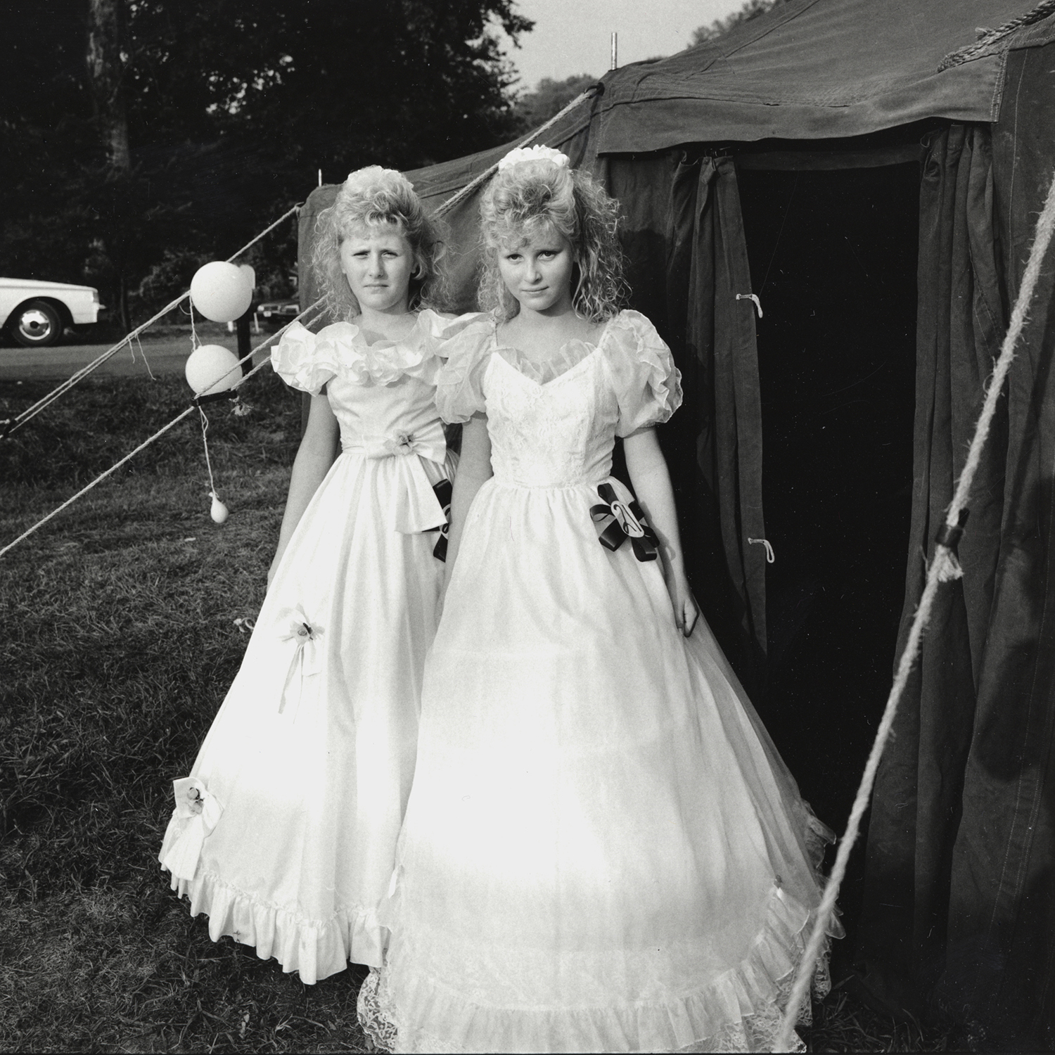 Christy and Misty, Ashland City, Tennessee, archival pigment print,16x20, 1990