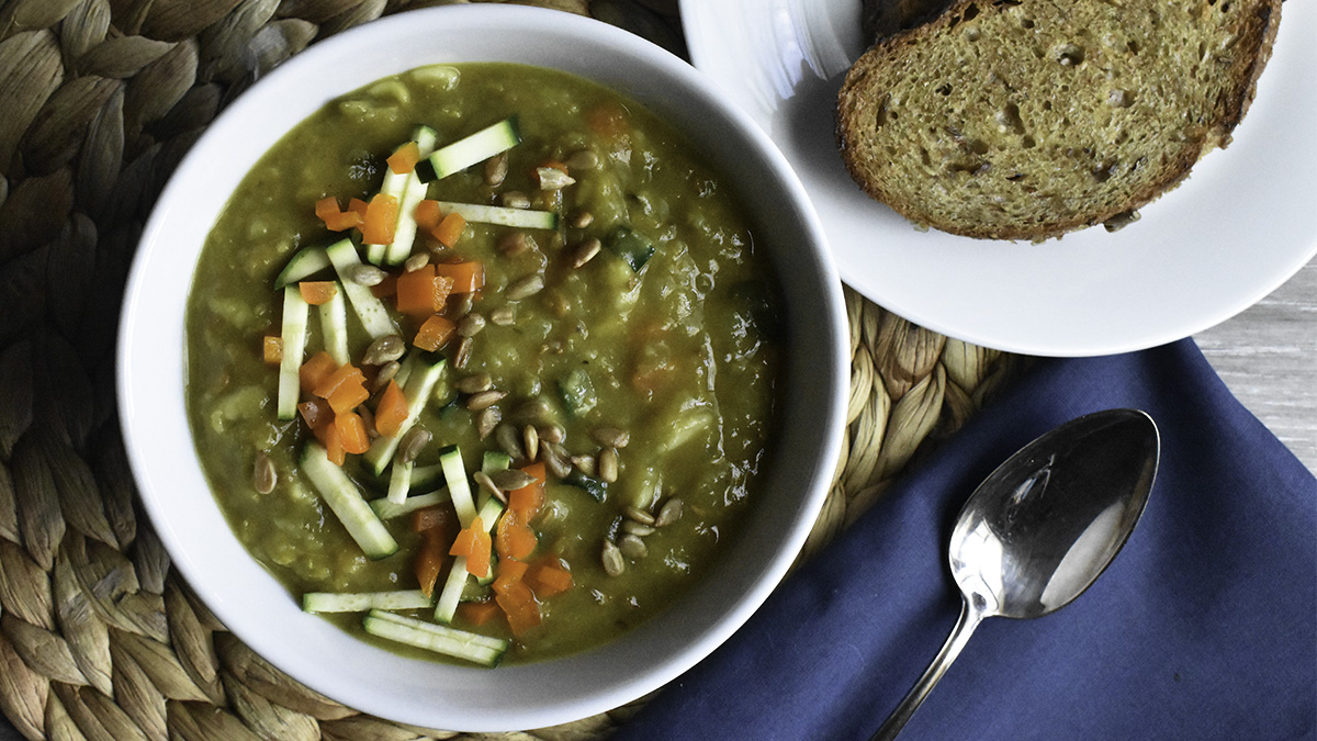 Zucchini curry soup with mix 16x9.jpg