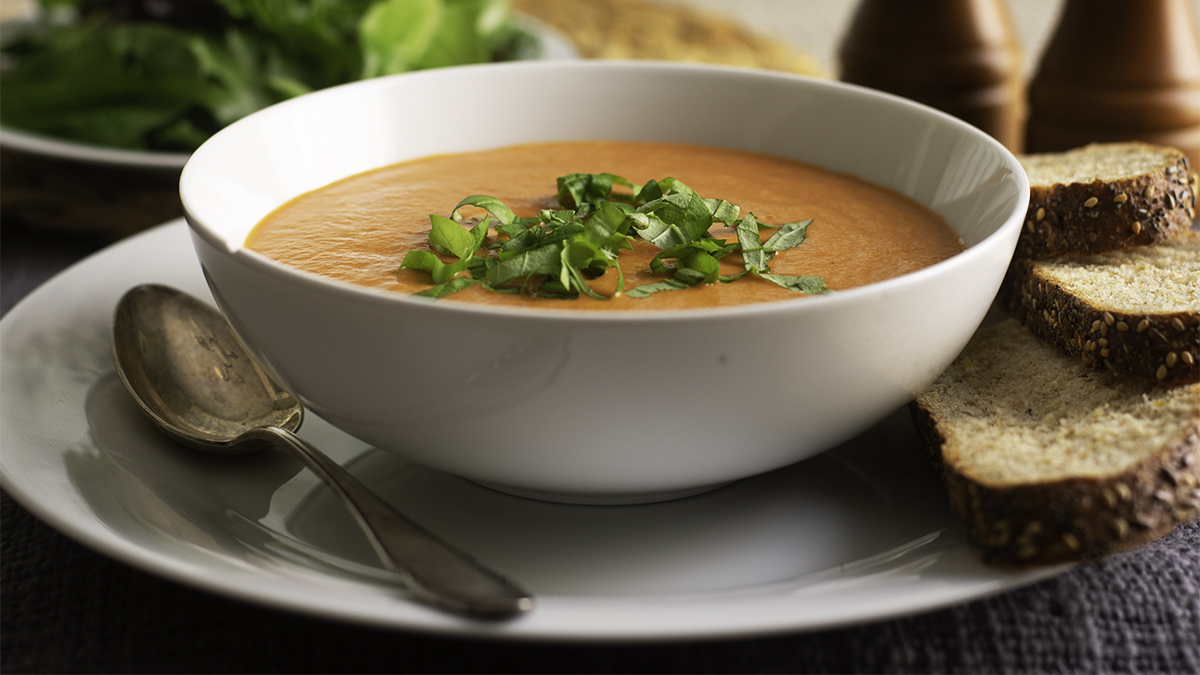 Tomato and Red Pepper Soup 16x9.jpg