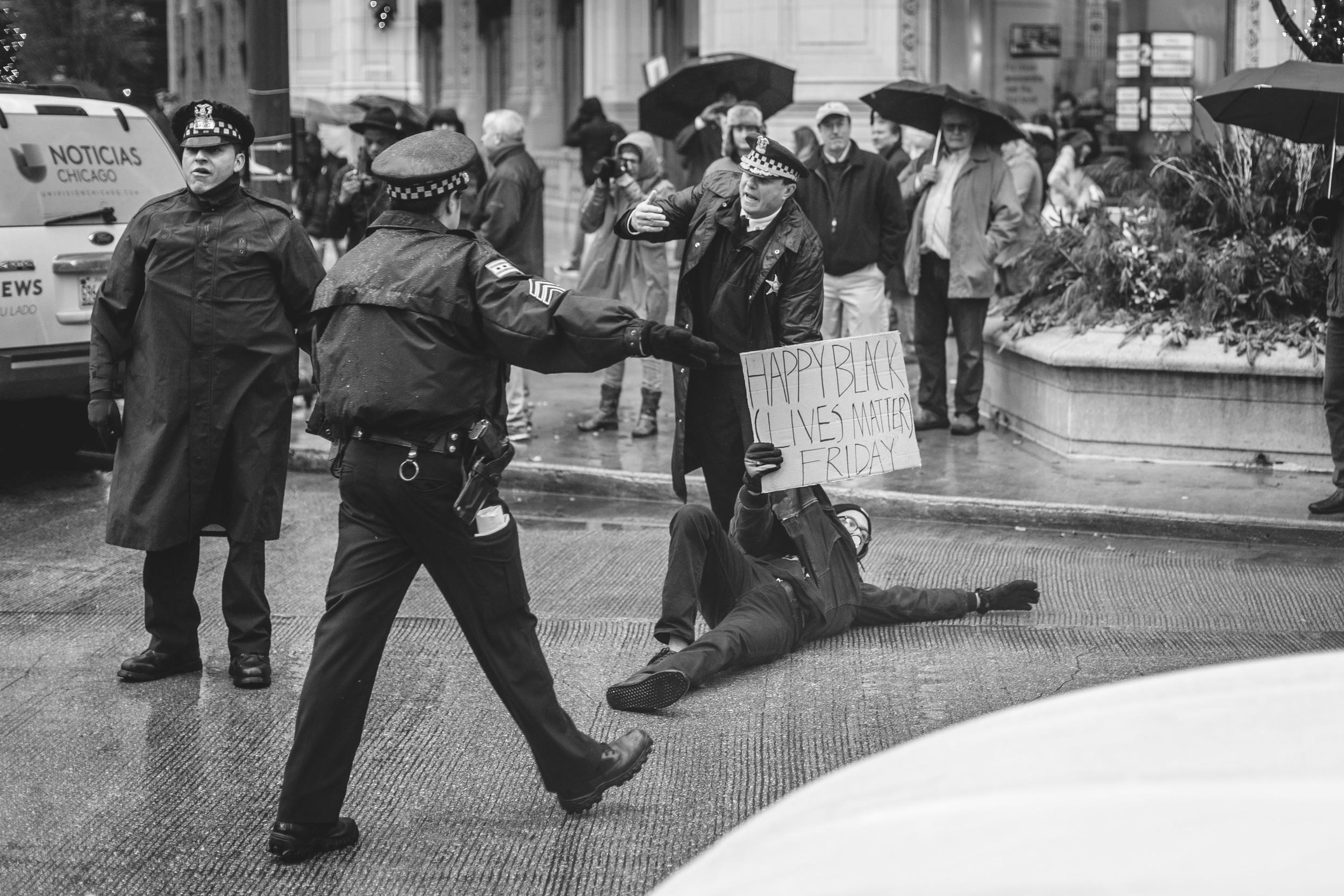 CHI-PROTEST-YASIN-8.jpg