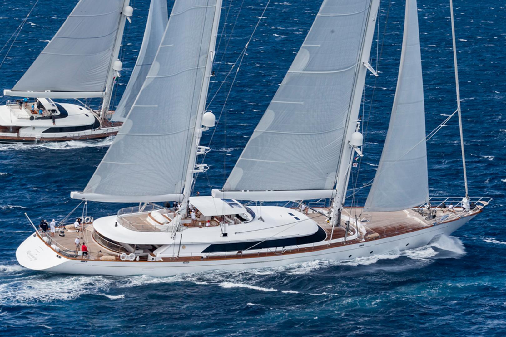 sailing-gallery-racing-2.jpg