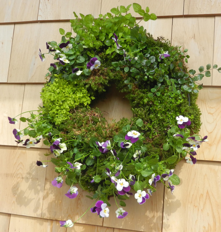 moss_pansy wreath.jpeg